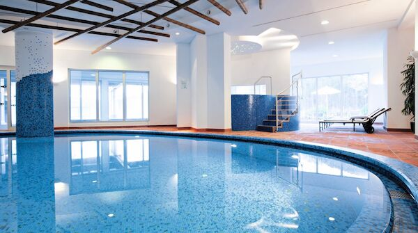 Traube Tonbach Wellness Schwimming Pool 2