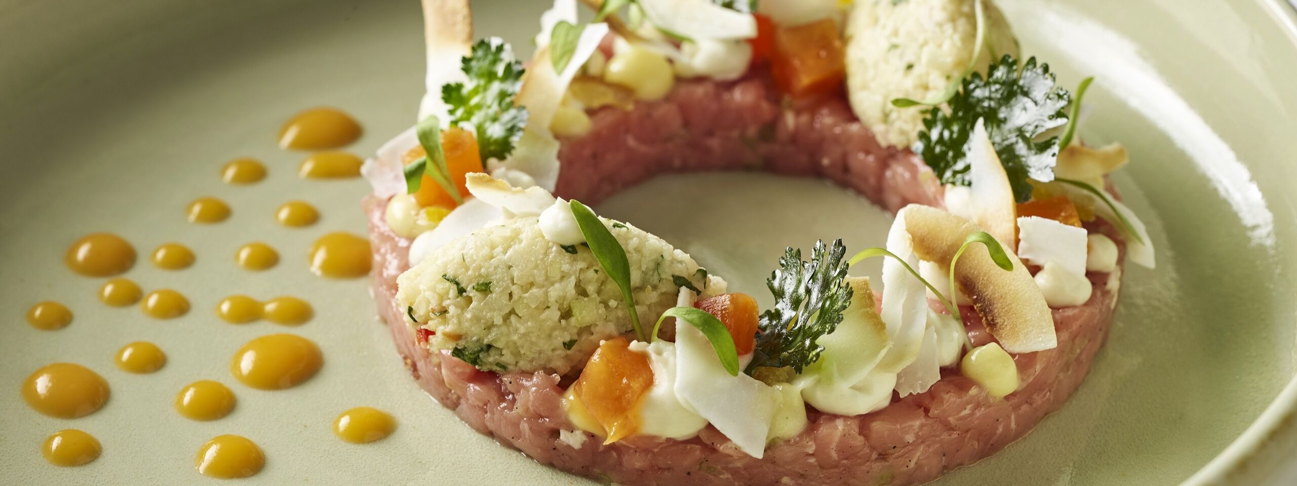 Traube Tonbach Koehlerstube Food Tartar Coconut 3
